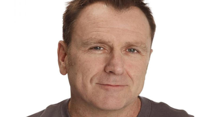 Colin Quinn close-up photo.